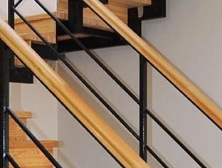 Laiptu gamyba Laiptu pakopos Laiptu tureklai Mediniai laiptai